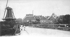 Entry to the village of Hattem in Gelderland. On the left the mill 'Fortuin' (Fortune).