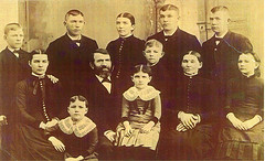 Family of John Schoemaker and Janna Geertruid Rauwerdink.