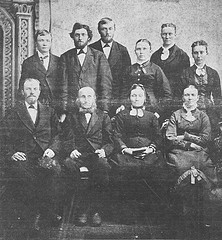 Hendrik Jan Wilterdink and Willemina ten Dolle with their 8 children.